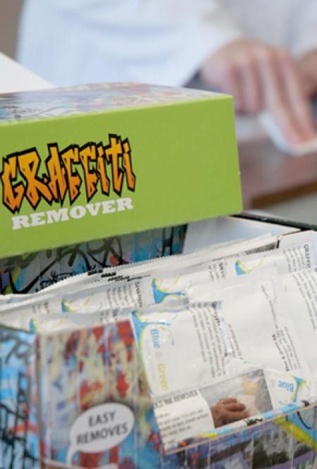 Pack antigraffiti wipes